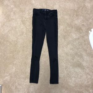 Hollister. Cropped Jeans